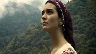 Yasemin Göksu - Mendilimin Yesili (Türkü)